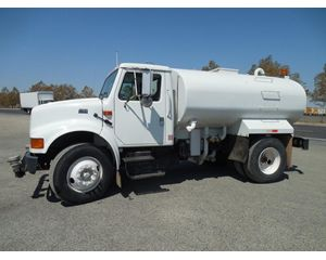 International 4900 Water Wagon