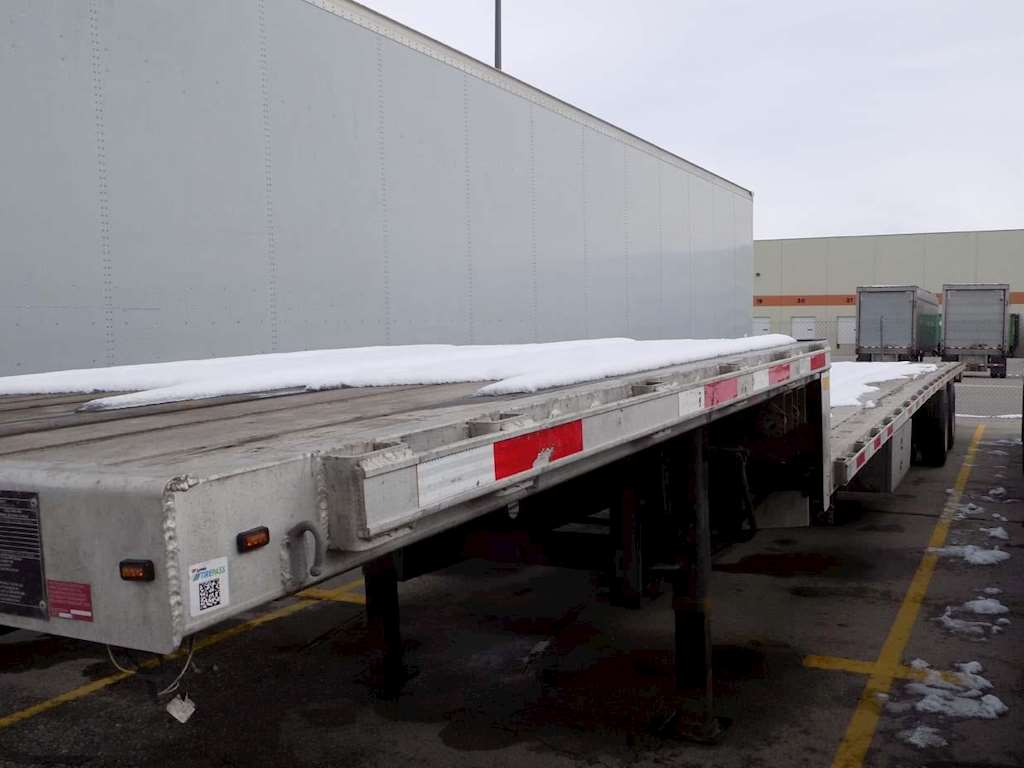 flatbed trailers  sharpen your focus on the bottom line with transcraft  flatbeds  our steel, combo and aluminum models boast the industry's highest  quality