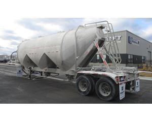 Fruehauf 1500 3 HOPPER LIGHTWEIGHT DESIGN Dry Bulk / Pneumatic Tank Trailer