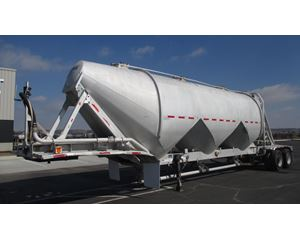Fruehauf 1500 3 HOPPER LIGHWEIGHT DESIGN Dry Bulk / Pneumatic Tank Trailer