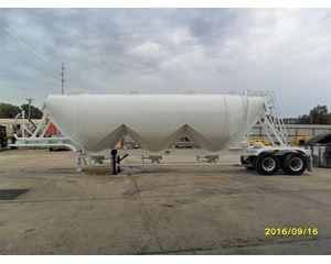 Fruehauf 1500 LIGHTWEIGHT 3 HOPPER W/ NEW PAINT Dry Bulk / Pneumatic Tank Trailer