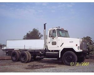 Autocar ACL64F Heavy Duty Cab & Chassis Truck