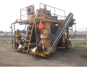 UPRIGHT UR3011 Harvester