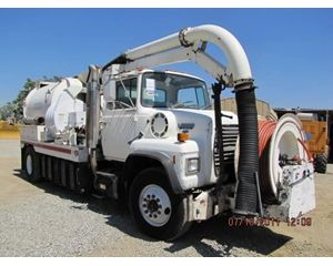Ford L8000 Sewer Truck