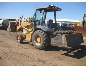 CASE 570L XT II Skip Loader