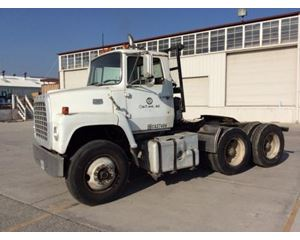 Ford LN9000 Cabover Day Cab