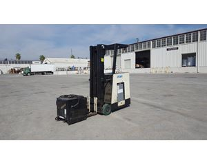 Crown TYPE E Electric Forlift