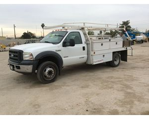 Ford F-450 SD Flatbed Truck