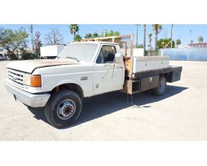 1990 Ford F SUPER DUTY FLATBED TRUCK