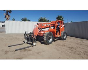 2008 SkyTrak 8042 Forward Reach Forklift