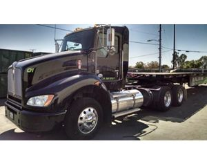 Kenworth T440 Conventional Daycab