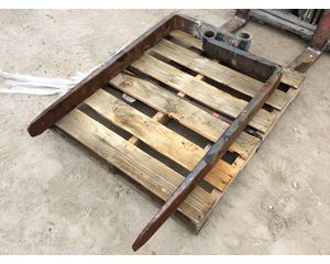 . Attachments & Masts Pallet Fork