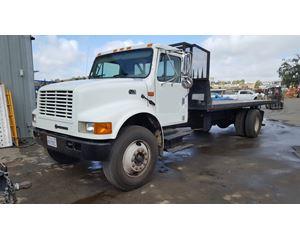 2001 International 4700 Roll Back Truck