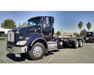 Kenworth T440 Roll-Off Truck