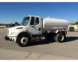 Freightliner BUSINESS CLASS M2 Water Truck