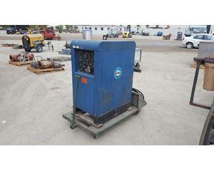 Miller 330 A/BP Welding Equipment