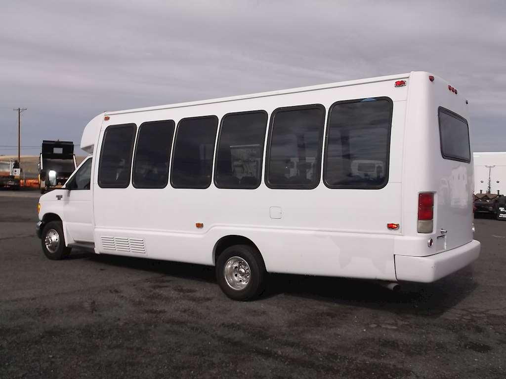 2005 ford bus for sale 126 710 miles pendleton or u 2414. Black Bedroom Furniture Sets. Home Design Ideas