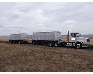 Freightliner FLD 112 Farm / Grain Truck