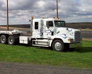Freightliner FLD112064SD Truck