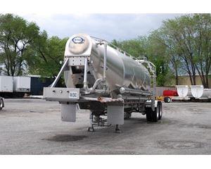 Retesa 1040CF Dry Bulk / Pneumatic Tank Trailer
