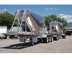 Retesa Dry Bulk / Pneumatic Tank Trailer