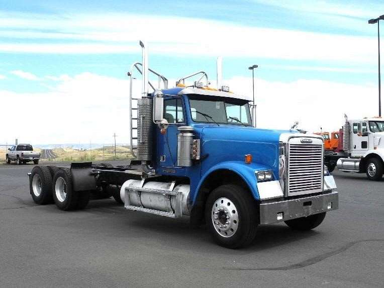 1995 Freightliner FLD120 CLASSIC Heavy Duty Cab & Chassis Truck For ...