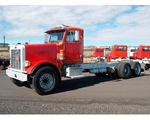 Peterbilt 357 Heavy Duty Cab & Chassis Truck