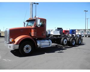 Peterbilt 367 Heavy Duty Cab & Chassis Truck
