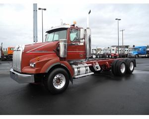Western Star 4900SA Heavy Duty Cab & Chassis Truck