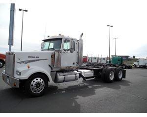 Western Star 4964EX Heavy Duty Cab & Chassis Truck