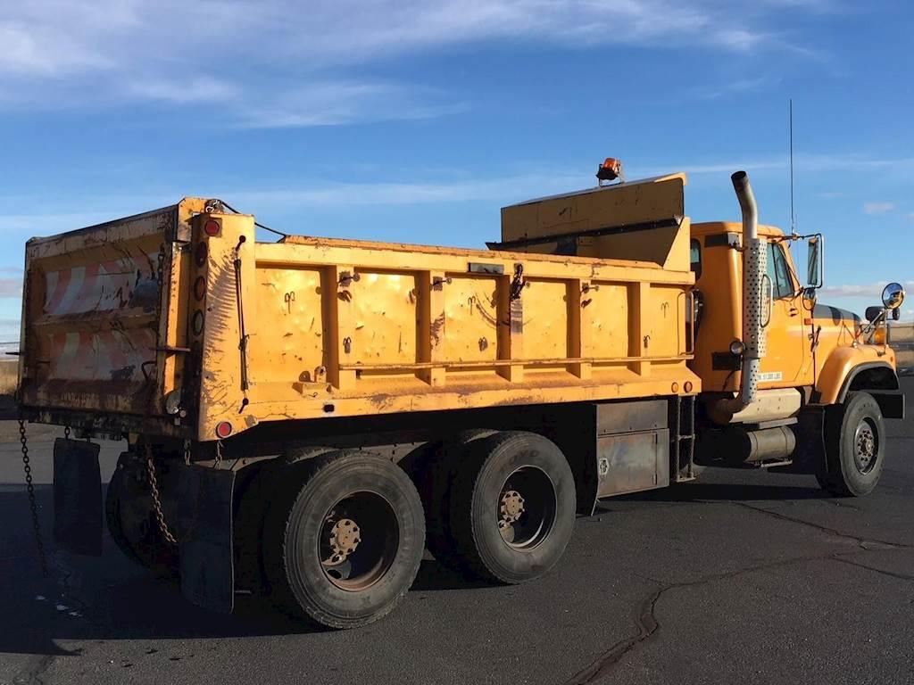 1997 International 2574 Dump Truck