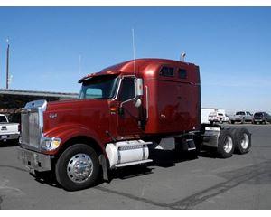 International 9900i EAGLE Sleeper Truck