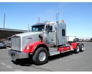 Kenworth T800W Sleeper Truck