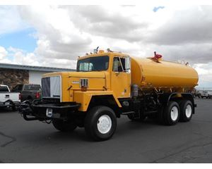 International Paystar 5000 Water Tank Truck