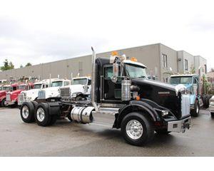 Kenworth T800B Conventional Truck