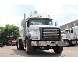 Mack 4000 Gallon T/A 700 Granite