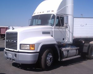 Mack CH612 Conventional Daycab