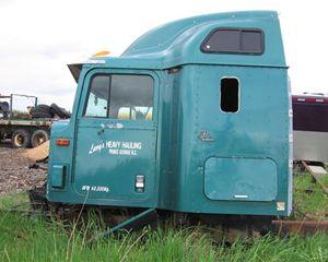International Harvester 9400 Truck Part