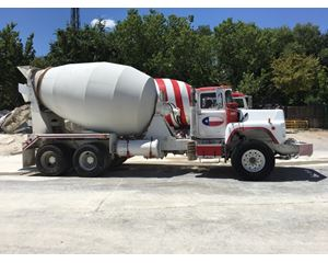 Mack DM690 Mixer / Ready Mix / Concrete Truck