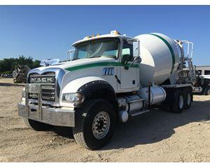Mack GRANITE GU713 Mixer / Ready Mix / Concrete Truck