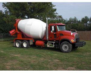 Mack GU813 Mixer / Ready Mix / Concrete Truck