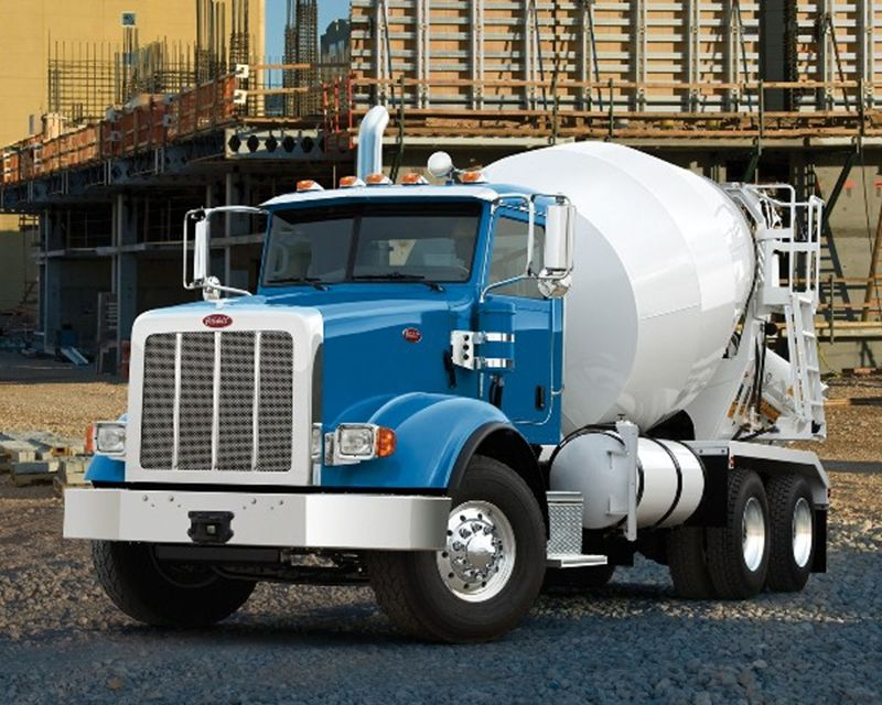 2015 Peterbilt 567 Mixer / Ready Mix / Concrete Truck