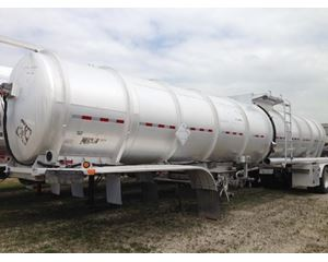 Etnyre 8400 Gallon DOT 407 Crude Oil Tank Trailer