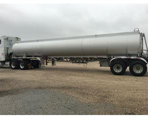 Fruehauf 9400 Gallon 4 Compartment Gasoline / Fuel Tank Trailer