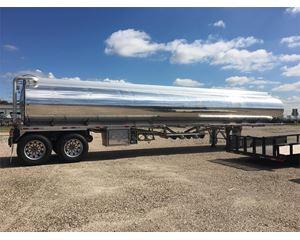 Polar AEB6 9300 Gallon 5 Compartment Elliptical Gasoline / Fuel Tank Trailer