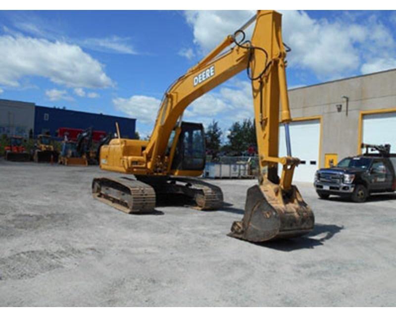 John Deere 200C Crawler Excavator