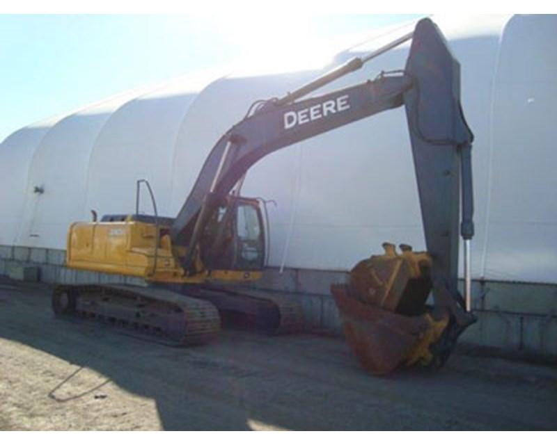John Deere 240D Crawler Excavator