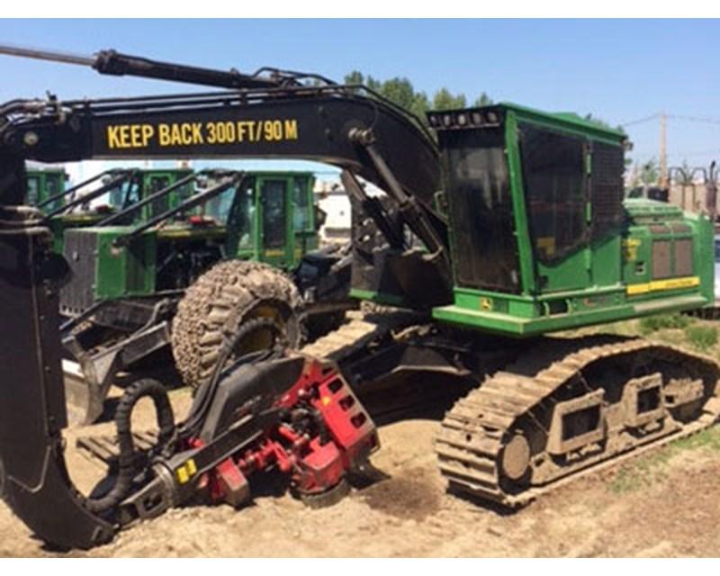 John Deere 2154D Harvester
