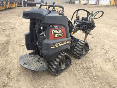2015 Ditch Witch R300 Trencher