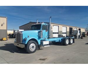 Freightliner FLD120 Cab & Chassis Truck